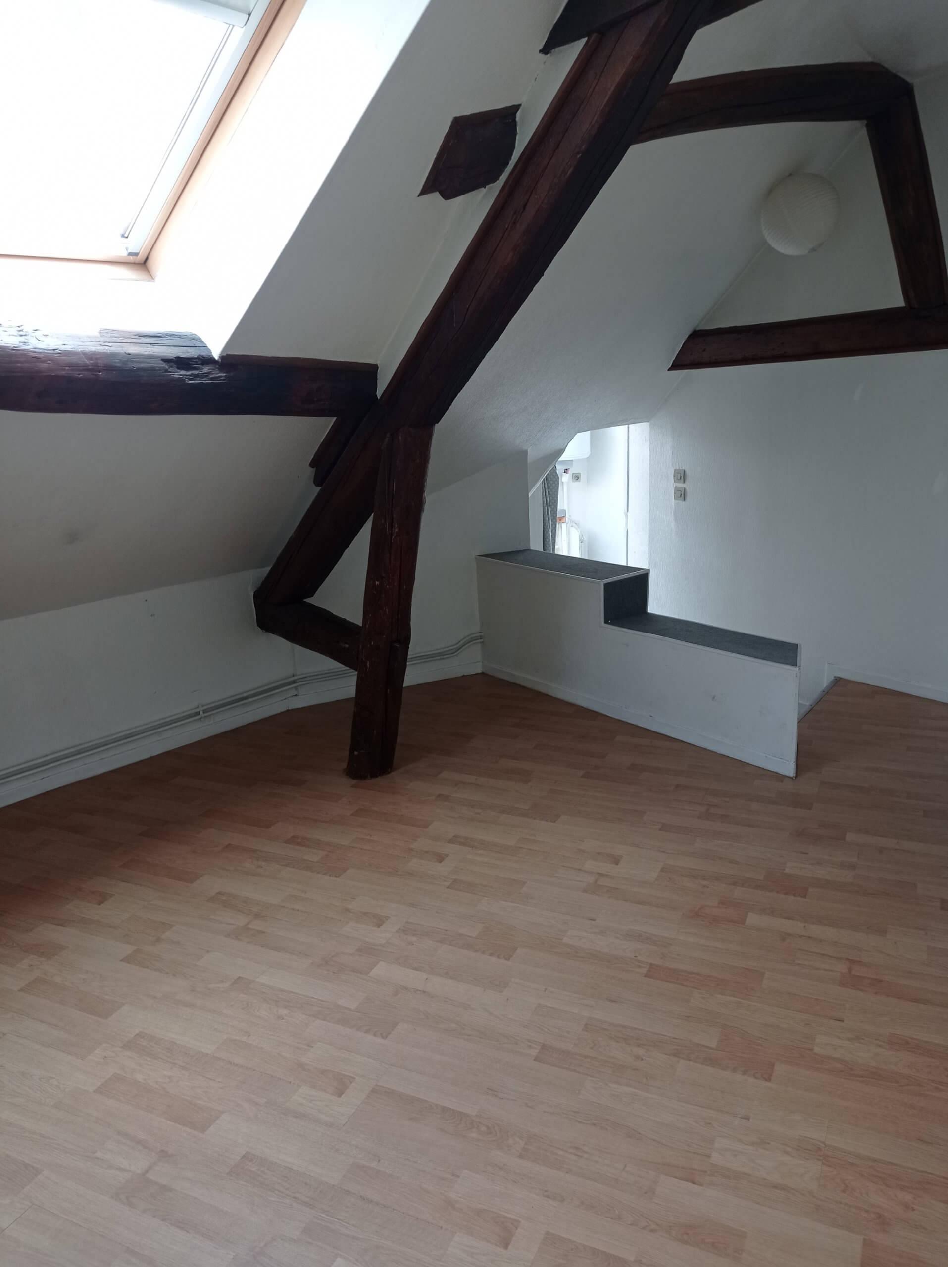 Studio place de la république